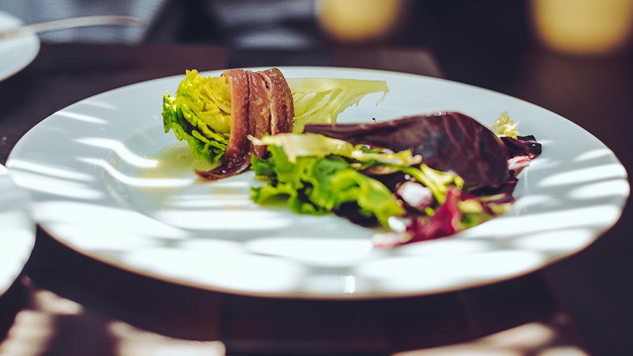 Lunchturer med mat  samt en båttur är ett populär.